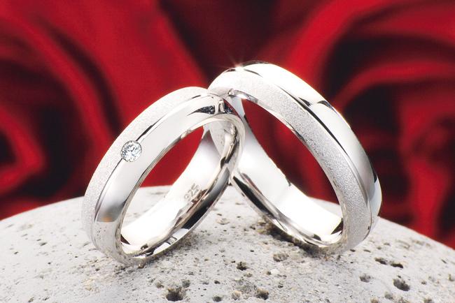Verlobungsringe silber  2 Eheringe Verlobungsringe aus 925 Silber mit echten Diamant + ...
