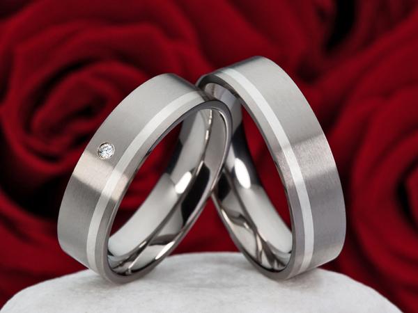 Partnerringe-Eheringe-aus-Titan-mit-925-Silber-HT146